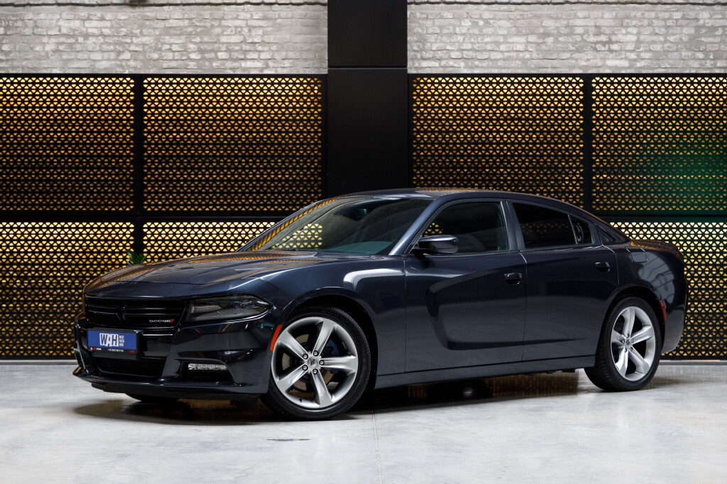 Dodge Charger RT фото