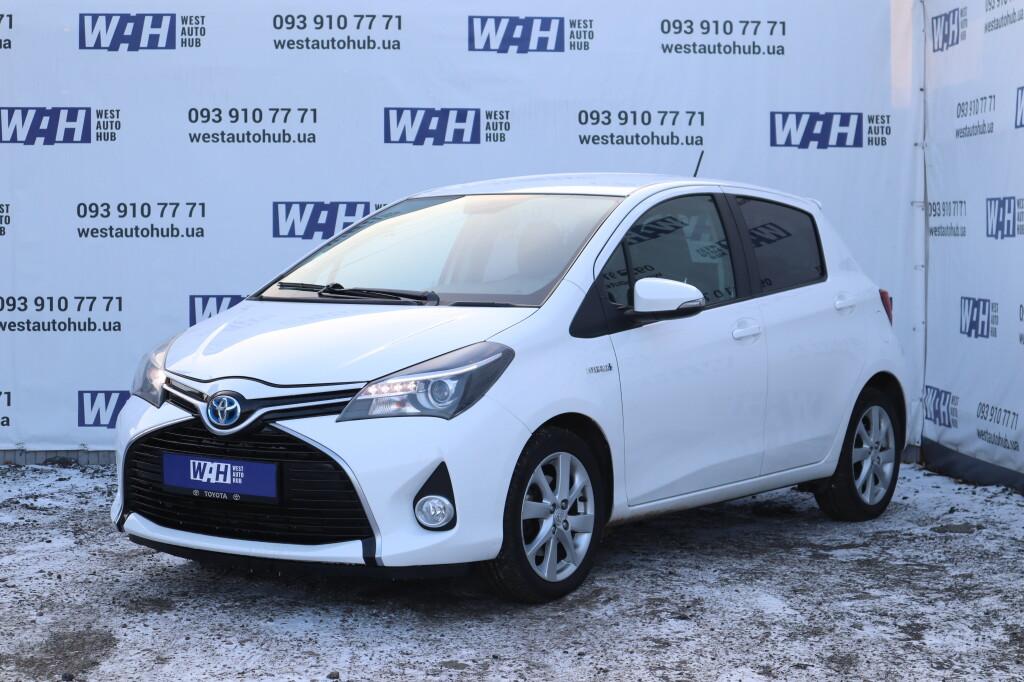 Toyota Yaris фото