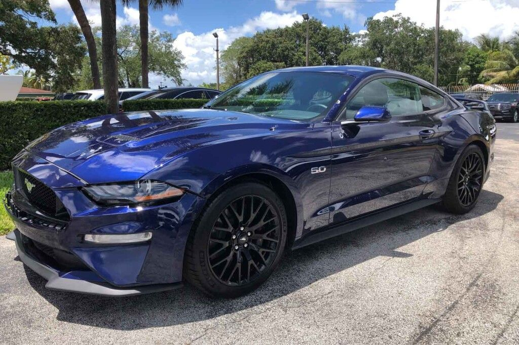 Ford Mustang GT 2020 фото